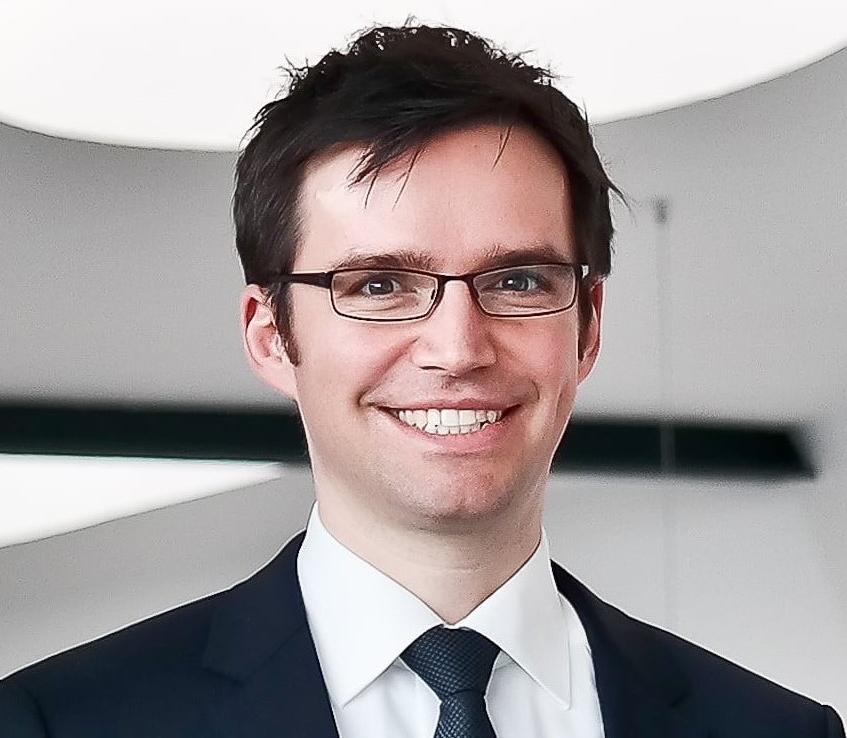 Prof. Dr. Florian Artinger